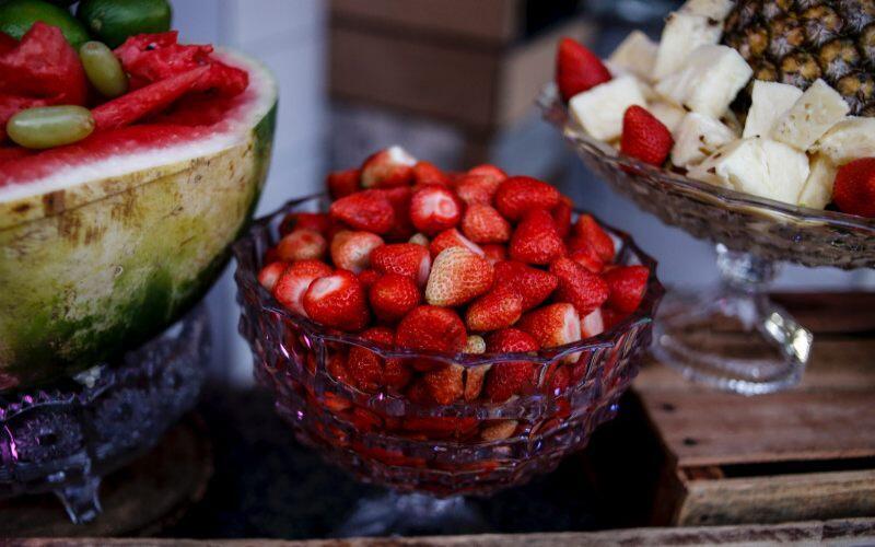 Coba Nih Tips Ini Agar Brokoli, Stroberi, dan Nanas Tahan Lama