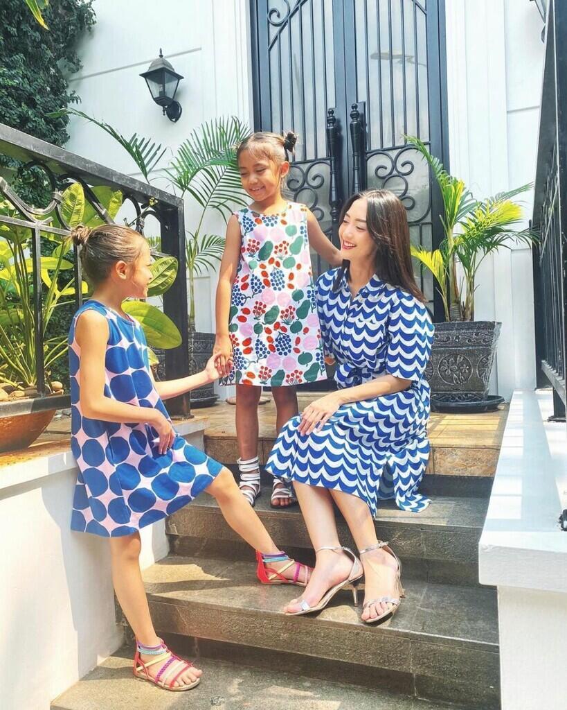 Dalam Gugatan Cerai, Inilah Momen Kemesraan Ririn Dwi Ariyanti Dengan Ke 3 Anaknya!