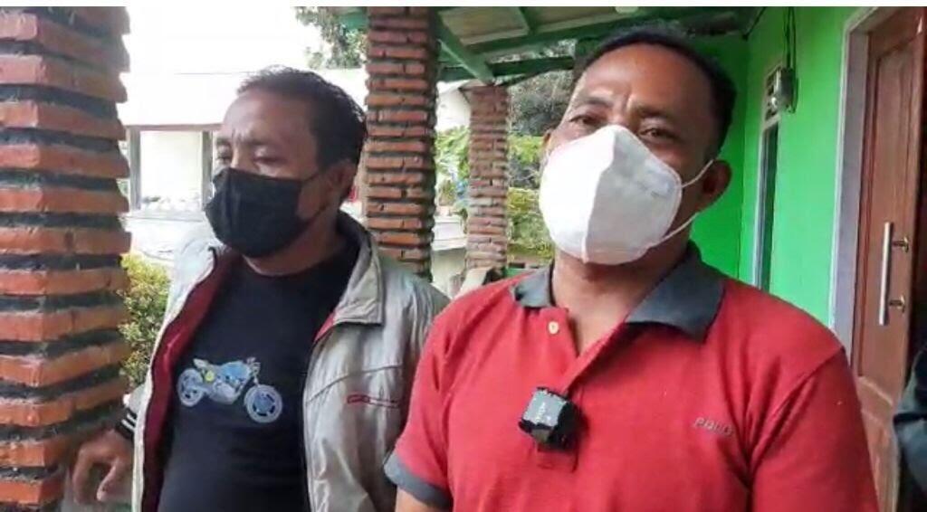 'Rocky Gerung Berbohong, Tak Ada Penggusuran Rumah Warga Asli Bojong Koneng'