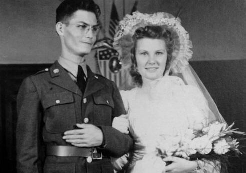 (Segmen SIF) Pertempuran Okinawa Saksi Bisu Aksi Heroik Desmond Doss