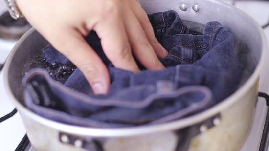 Trik Mudah Mengatasi Celana Jeans yang Terlalu Ketat