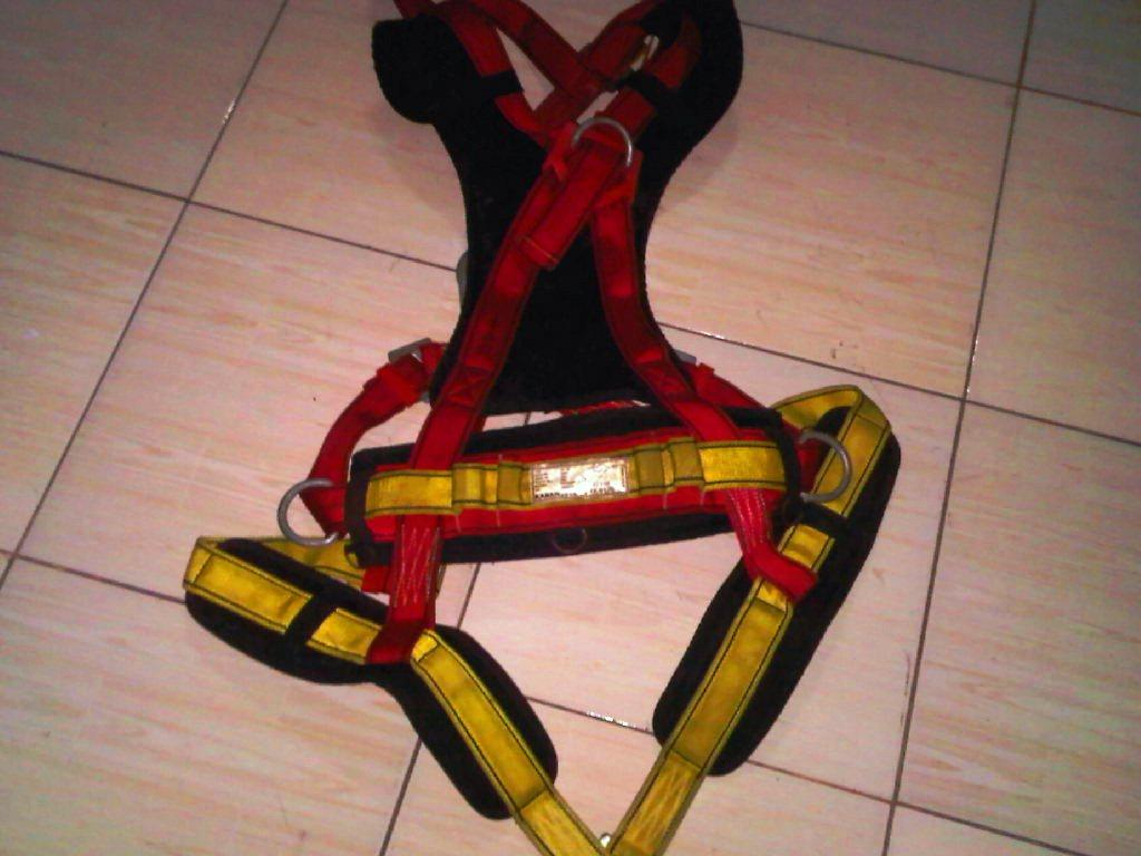 Alat Safety Full Body Harness, Absorber+Lanyard, Helm Camp RockStar