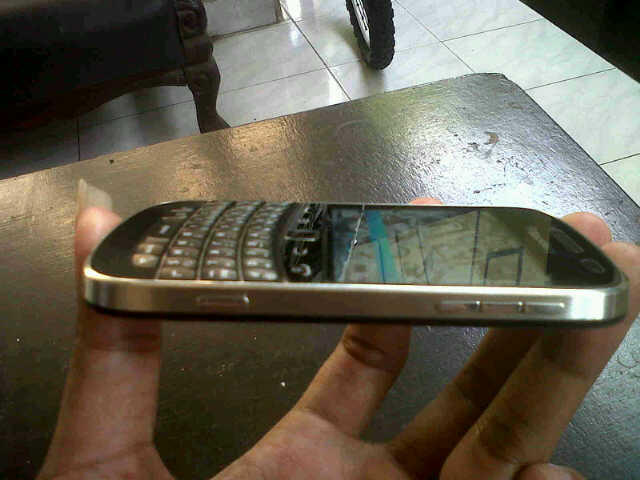 jual blackberry dakota 9900 mulus