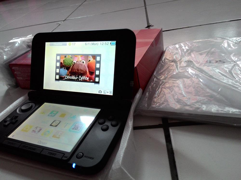 Terjual Nintendo 3DS XL Limited Edition Super Smash Bros like new