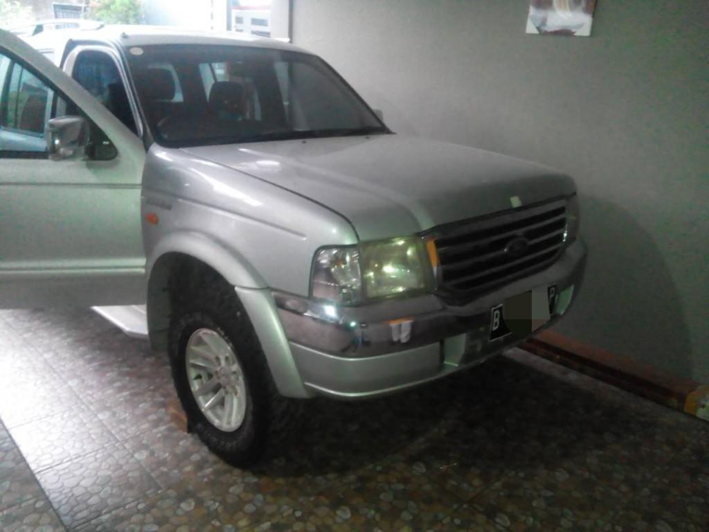 Ford everest type xlt 4x4 manual tahun 2006