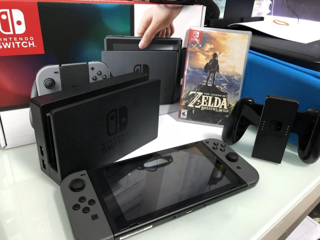 Terjual Nintendo Switch Gray 2nd Fullset Like New 995 Bonus 3 Game Mesin Grey Zelda Case Kaskus