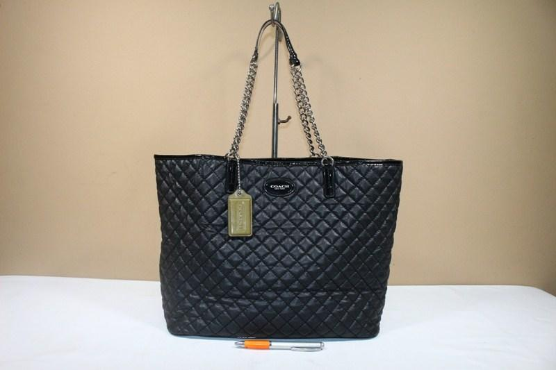 Jual Tas wanita branded COACH C398 Quilted chain tote second original  87147a6743