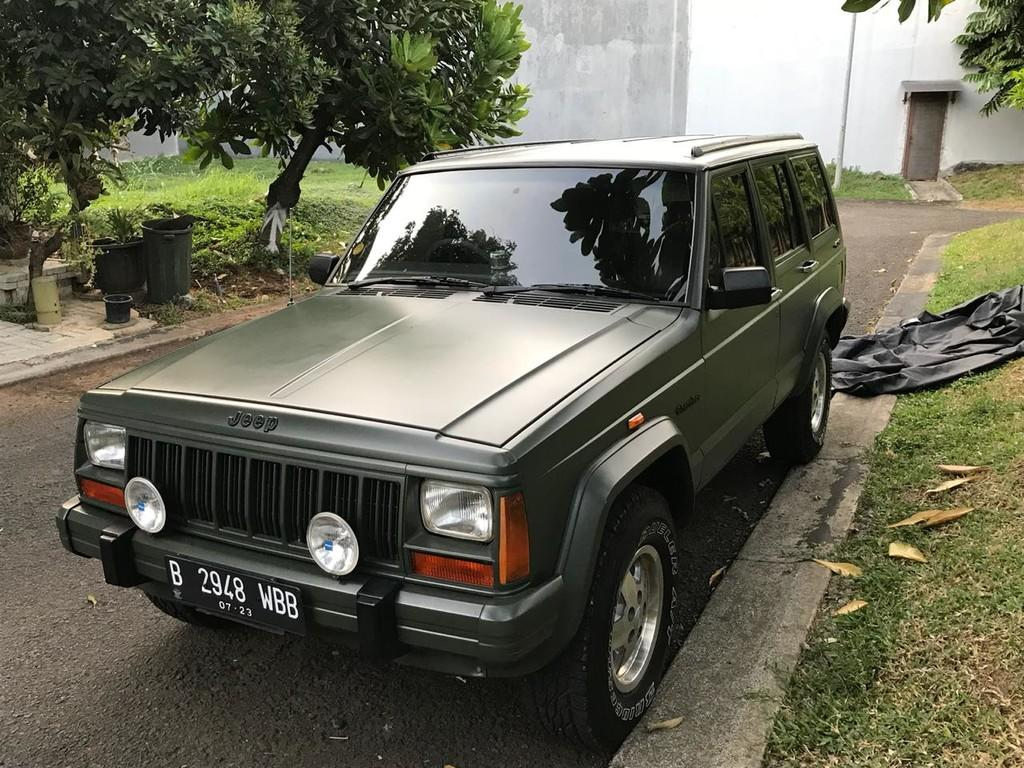 jeep cherokee limited tahun 1994 collectible car