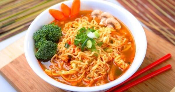 makan-sahur-dengan-mie-instan-tambahkan-4-bahan-ini-agar-lebih-sehat