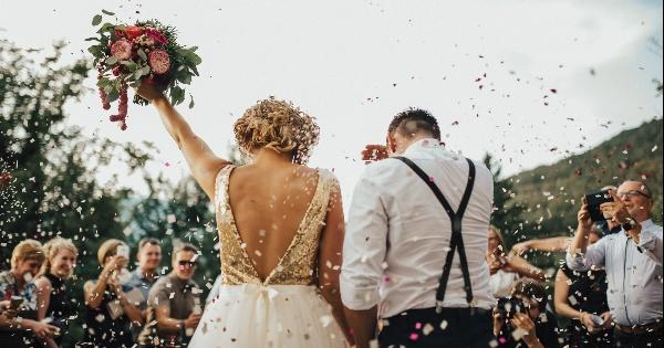 gak-melulu-soal-menikah-ini-6-hal-baik-bagi-cewek-yang-masih-single-di-usia-25