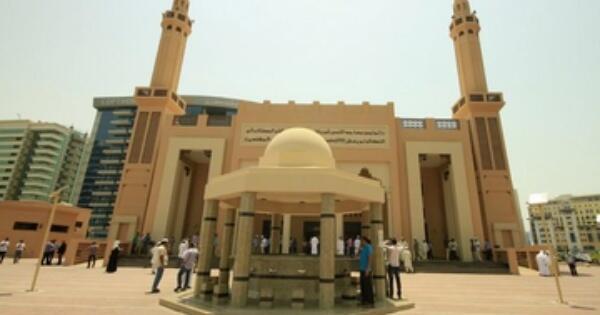 khalifa-al-tajer-masjid-canggih-ramah-lingkungan-pertama-di-dunia