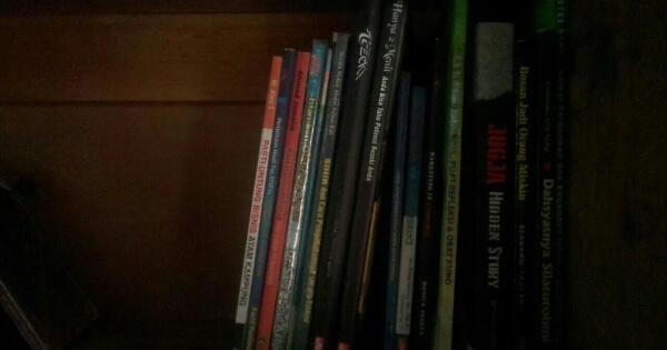ane-dan-koleksi-buku-ane--dalam-lintasan-waktu