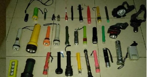 pasukan-senter-koleksiku-persenjataan-ketika-mati-lampu