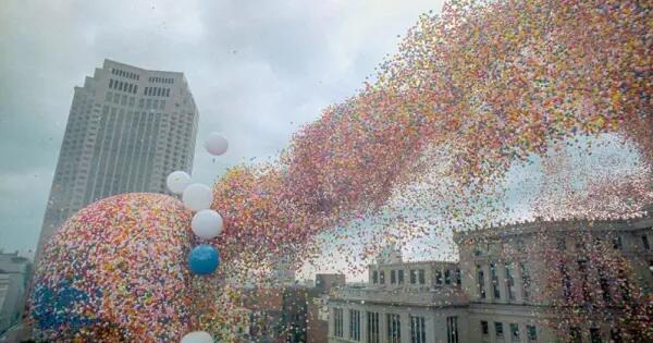 pelepasan-15-juta-balon-ke-udara-dan-inilah-yang-terjadi