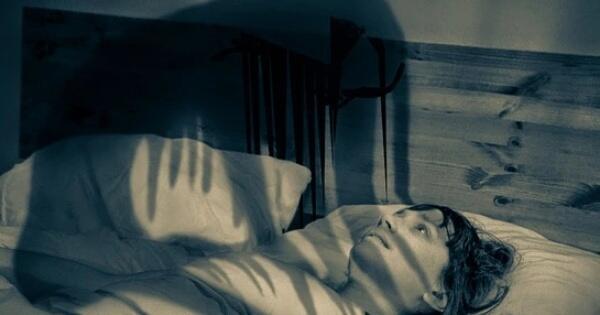 apa-yang-terjadi-pada-tubuh-kita-saat-tindihan-sleep-paralysis