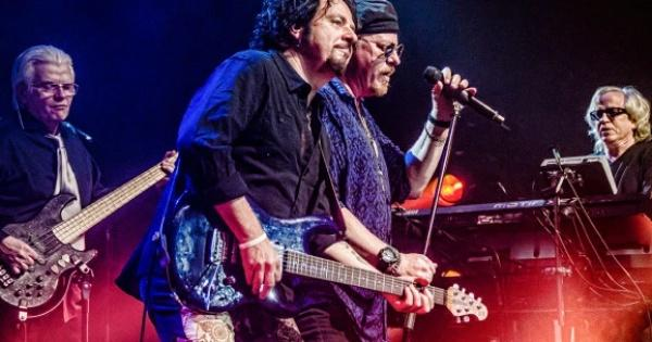 mengenal-toto--band-rock-legendaris-dan-fakta-kerennya