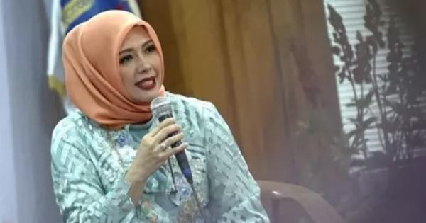 beda-gaya-hijab-istri-cawapres-jokowi-vs-prabowo-suka-yang-mana
