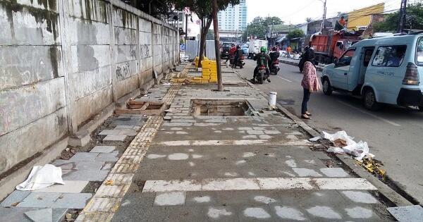indonesia-73--trotoar-ku-belum-merdeka