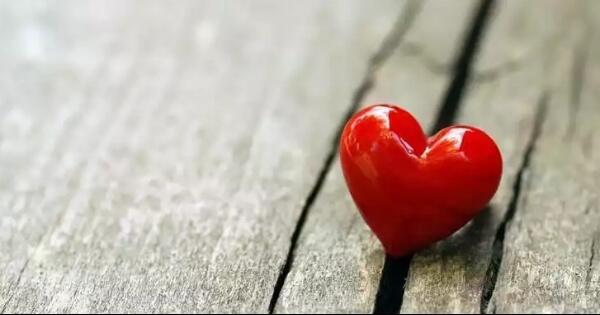 tentang-cinta-benarkah-tak-harus-saling-memiliki