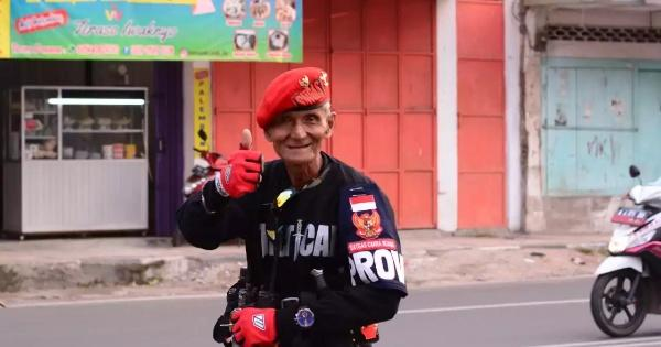 iniindonesiaku-edi-rosadi-kakek-yang-berjiwa-patriot-dari-serang-banten