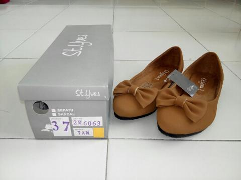 St Yves Flat shoes brown