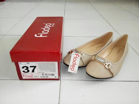 Fladeo flat shoes beige