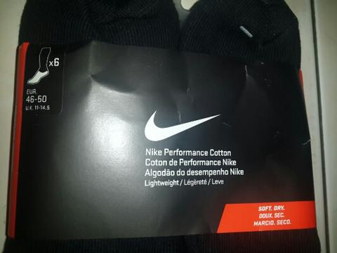 kaos kaki nike performance