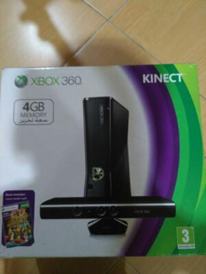 Xbox 360 4GB Internal Memory with 2 Wireless Controller and Kinect