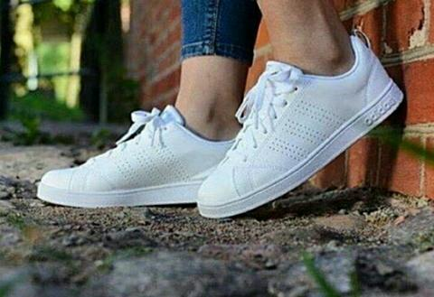 Sepatu Adidas Neo Advantage All White