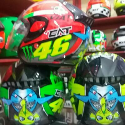 helm cat rosi