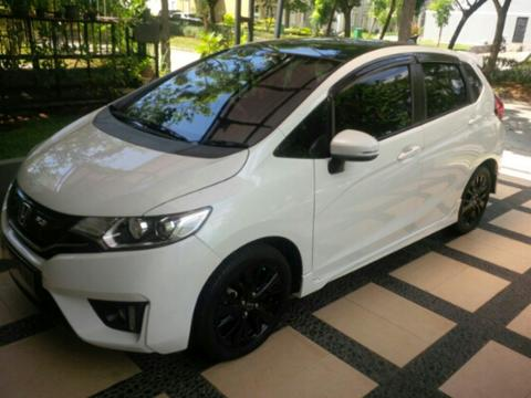 Honda Jazz Black Top Limited Edition 2015