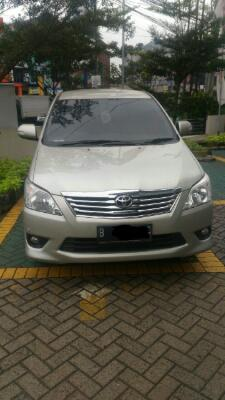 toyota kijang innova 2.0 V At