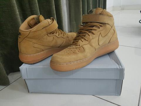 Nike Air Force 1 Flax sz US 10,5
