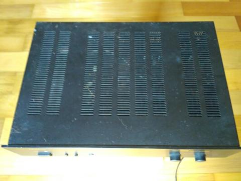power amplifier Parasound HCA-800 MK2