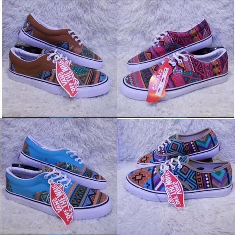 Vans tribal for ladies