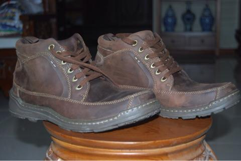 Terjual boots leather ori hush puppies  0dcfe7a476