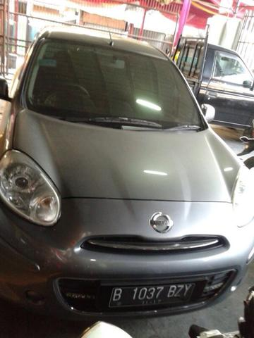 Nissan March thn 2012 grey on black