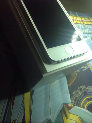 WTS iPhone 5 White 32 GB