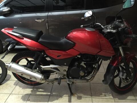 dijual bajaj pulsar 200cc th2008