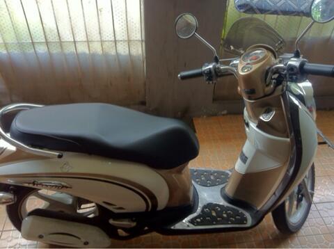 Jual cepat butuh uang Honda Scoopy White 2011 istimewa km sedikit banyak accesoris