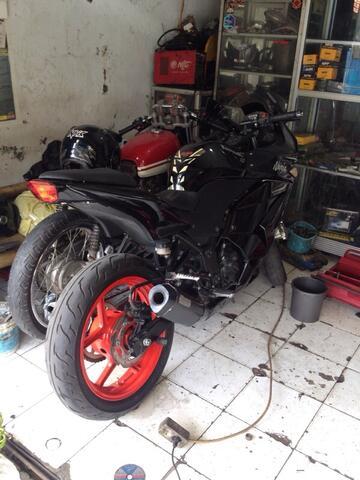 Dijual Kawasaki Ninja 250 thn 2008