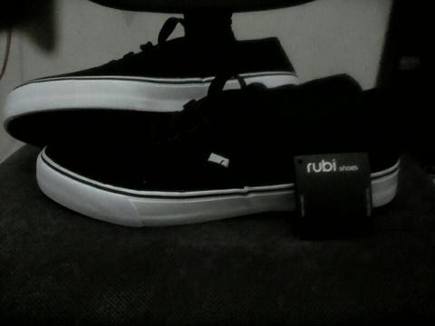 Rubi Shoes Sepatu Casual