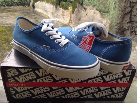 Vans authentic blue navy BNIB size 8 / 41 BVB