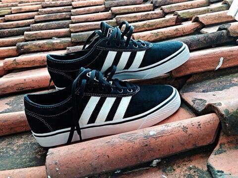 Adidas Adiease Skateboarding