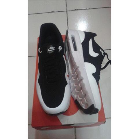 @indrra_jaya | Nike Airmax 1 Ultra Moire Black/white