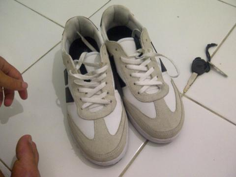 Macbeth Madrid White Black like new size 8 /41 (Malang)
