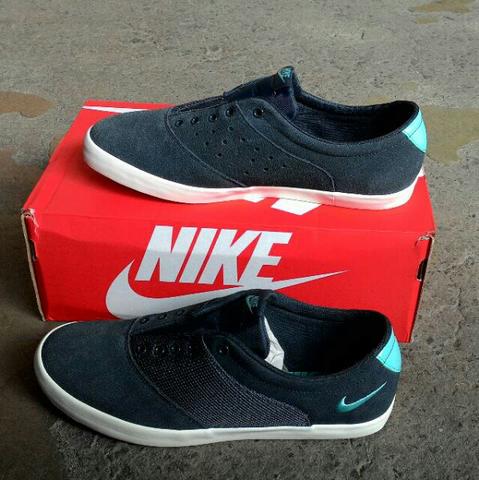Terjual Sepatu Sneaker cewe WMNS NIKE MINI SNEAKER 100% Original ... f34c481880
