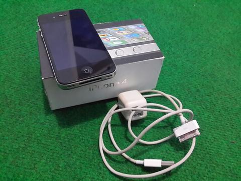 iphone 4 32GB Black GSM Good Condition