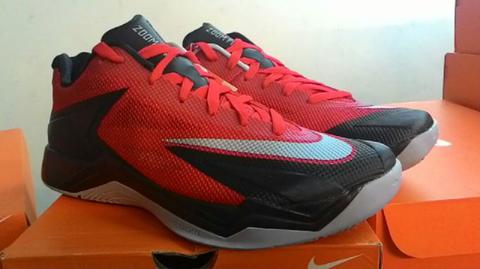 Terjual Sepatu Basket Nike Zoom Fire XDR Original gan  e3b9ff47e8