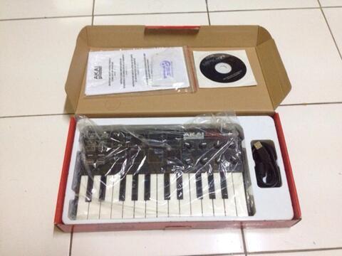 Akai Mpk Mini Midi Keyboard Controller
